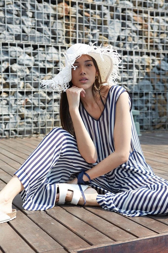 https://www.so-sofitel-huahin.com/wp-content/uploads/sites/73/2018/02/Striped-Jumpsuit.jpg